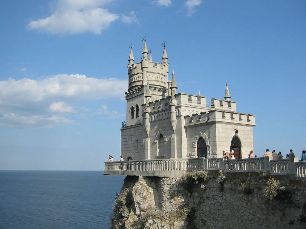 Фото ласточкиного гнезда в Крыму