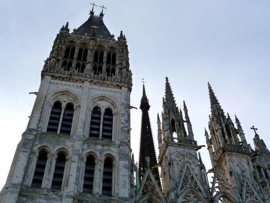 Достопримечательности Швейцарии. Средневековый собор Нотр-Дам