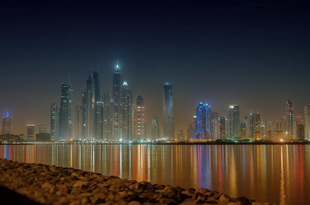 На отдых в Дубай.