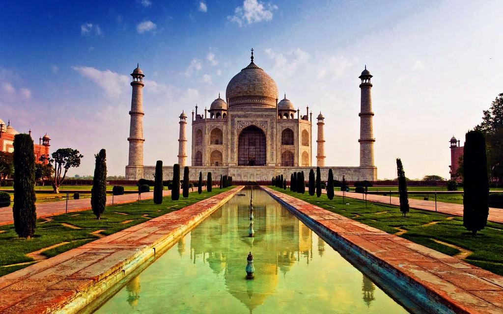 Тадж-Махал – путешествие к вечно живым в веках историям любви.