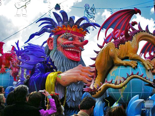 Знаменитый карнавал костюмов в Греции!!!