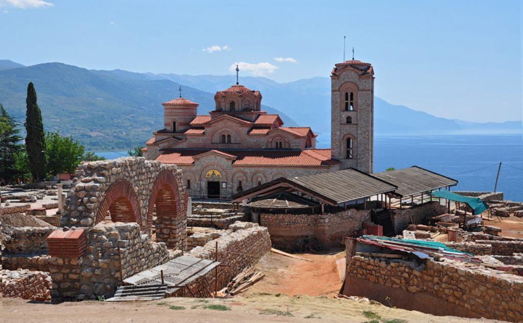 Город и озеро Охрид